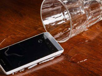 suya düşen telefonu kurtarma yöntemleri, suya düşen telefon nasıl kurtarılır, suya düşen telefonu kurtarma